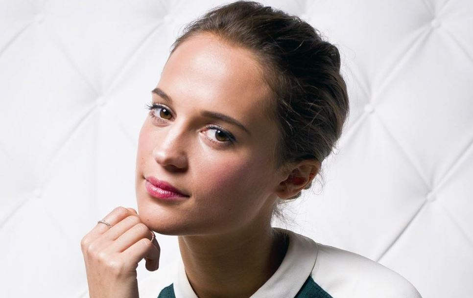 Alicia Vikander Biography, Age, Wiki, Net worth, Husband, Mother, Married