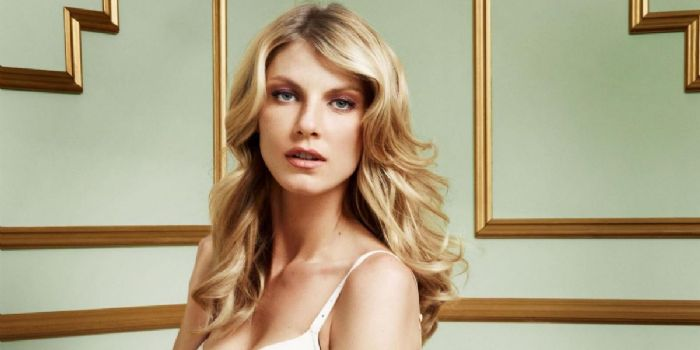 Angela Lindvall Bio, Age, Wiki, Relationship, Net Worth, Affair, Mother