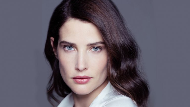 Cobie Smulders Bio, Wiki, Age, Father, Brothers, Children, Net Worth