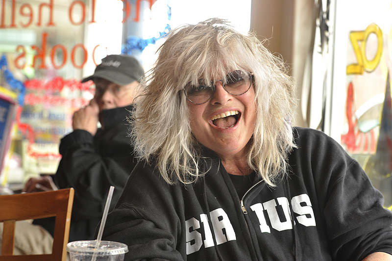 Nina Blackwood Bio, Age, Wiki, Net Worth, Salary, Lesbian, Relationship