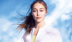 Alycia Debnam-Carey Biography, Age, Wiki, Net Worth, Relationship, Boyfriend, Affair