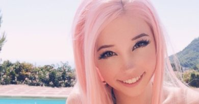Belle Delphine Biography, Age, Wiki, Parents, Affair, Net Worth, Siblings