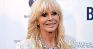 Britt Ekland Biography, Age, Wiki, Relationship, Children, Net Worth, Plastic Surgery