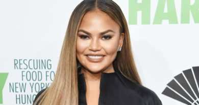 Chrissy Teigen Biography, Age, Wiki, Dating, Affair, Net Worth, Husband