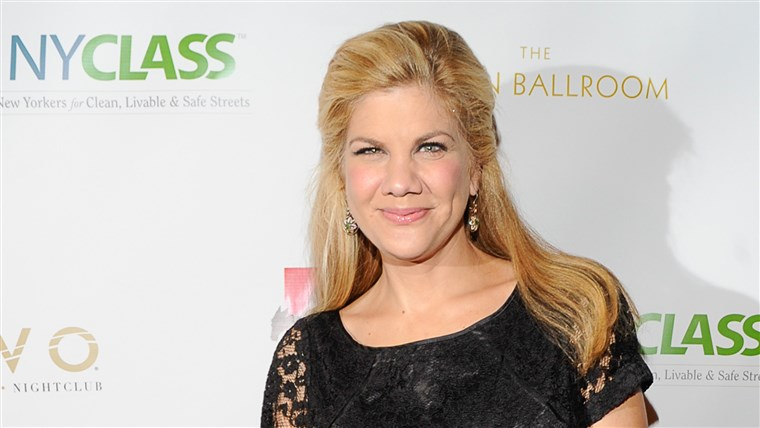 Kristen Johnston Biography, Age, Wiki, Father, Relationship, Net Worth, Affair