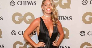 Natasha Oakley Biography, Age, Wiki, Dating, Relationship, Net Worth, Parents