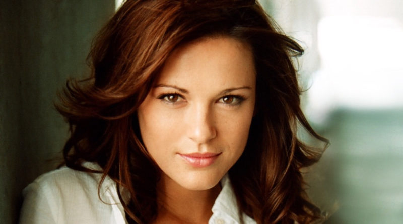 Danneel Ackles Biography, Age, Wiki, Dating, Children, Husband, Net Worth