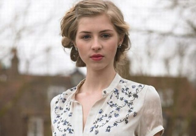 Hermione Corfield Biography, Age, Wiki, Dating, Net Worth, Relationship, Parents