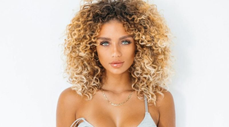 Jena Frumes Biography, Age, Wiki, Dating, Net Worth, Relationship, Affair
