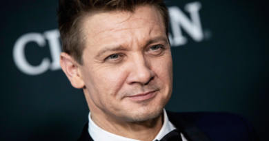 Jeremy Renner Biography, Age, Wiki, Dating, Net Worth, Relationship, Parents