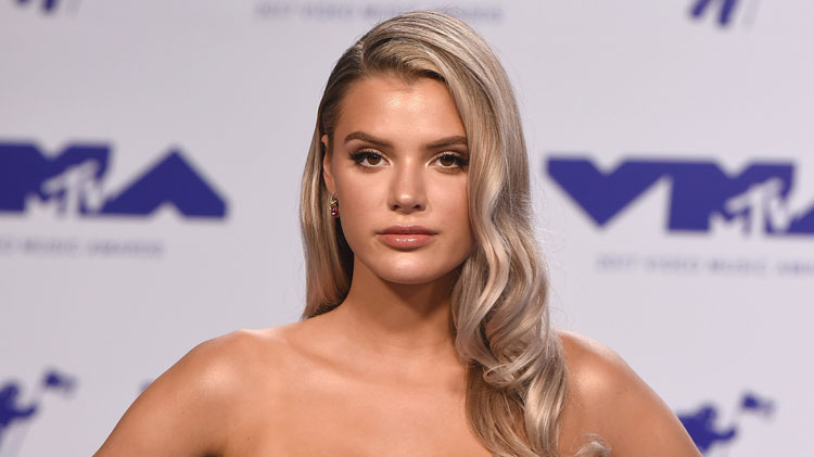 Alissa Violet Biography, Age, Wiki, Dating, Boyfriend, Net Worth, Relationship