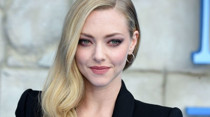 Amanda Seyfried Biography, Age, Wiki, Relationship, Boyfriend, Net Worth, Affair