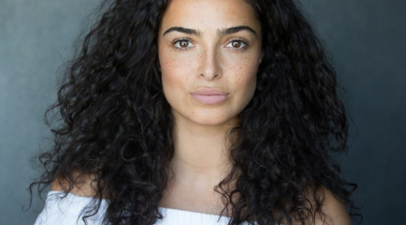 Anna Shaffer Bio, Age, Wiki, Dating, Net Worth, Relationship, Boyfriend