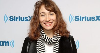 Regina Spektor Bio, Age, Wiki, Songs, Net Worth, husband, Children