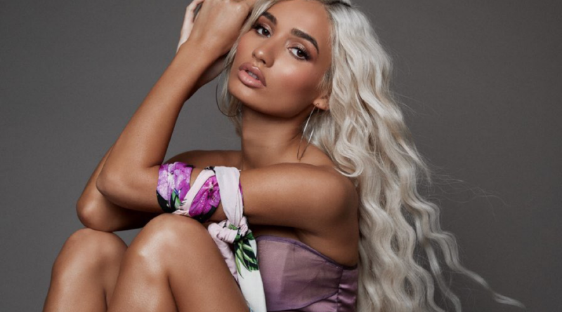 Pia Mia biography